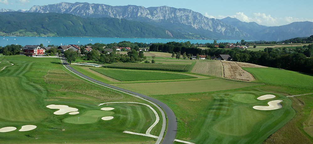 Flug ber den Golfplatz am Attersee